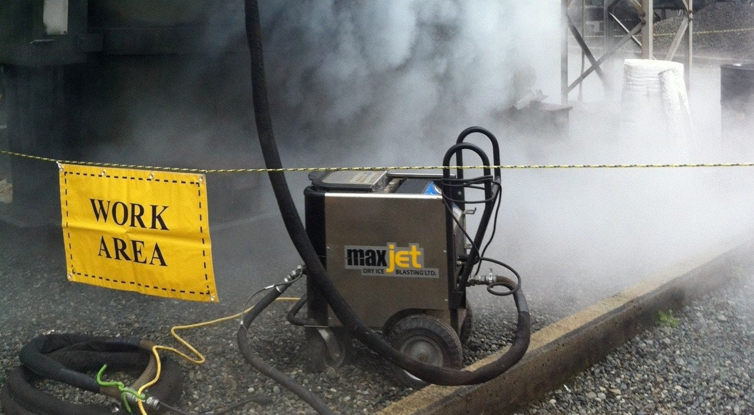 dry-ice-blasting-electrical-e1373310774393